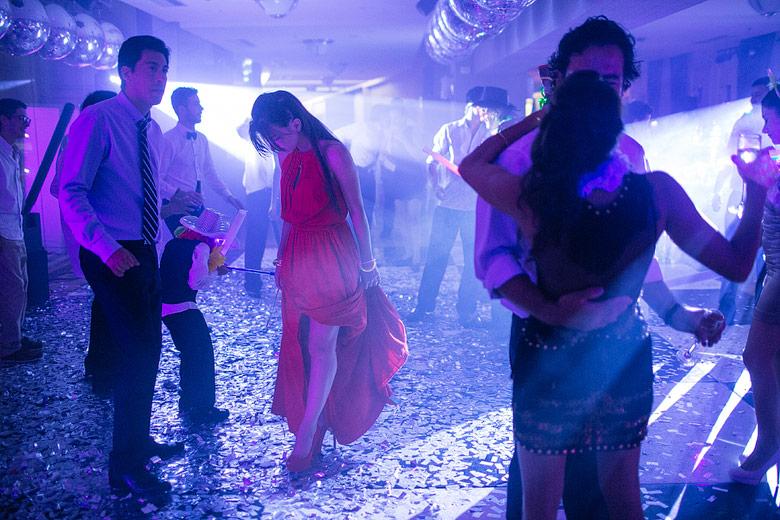 Foto de final de fiesta en casamiento
