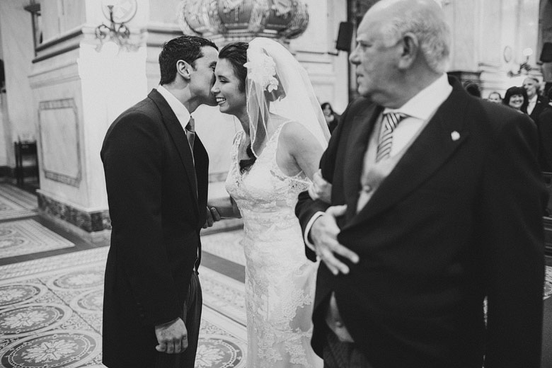 Photographies of wedding in Montevideo Cathedral, Uruguay