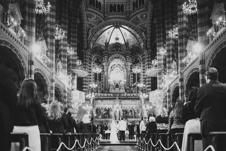 Fotografia de casamiento en la Basílica San Carlos y María Auxiliadora