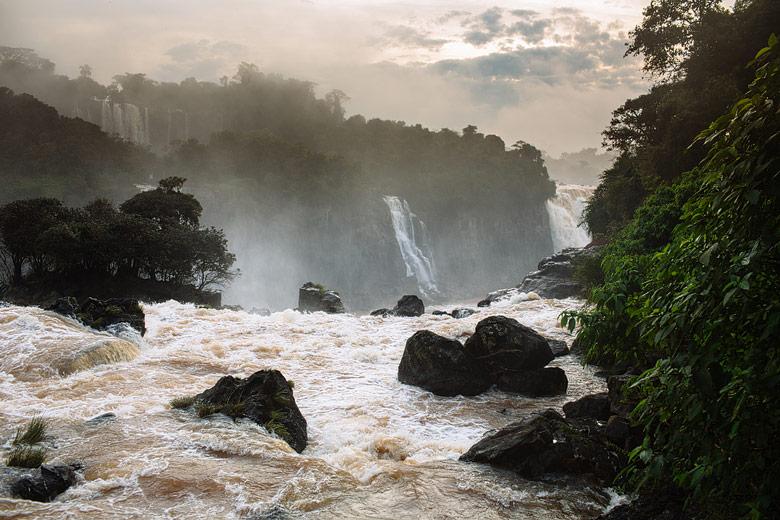 Iguazu falls tourism picture