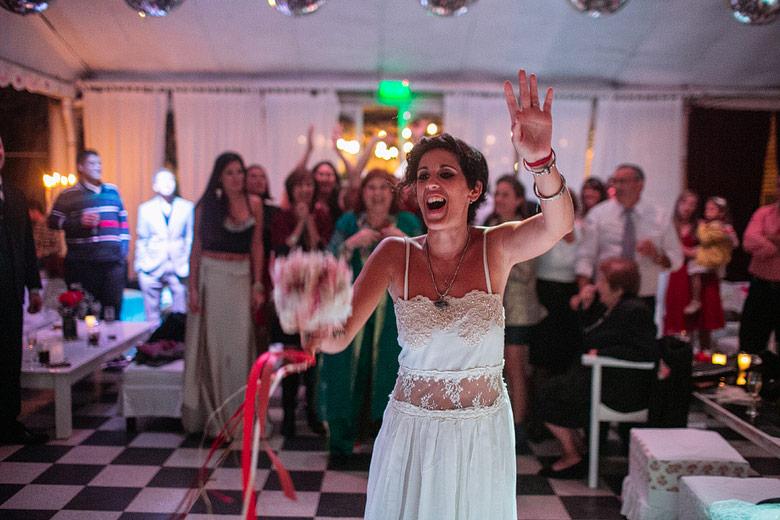 Fotos de tirar el ramo en casamiento