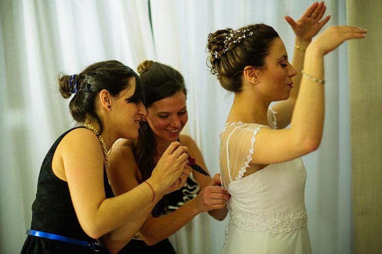 Novia con vestido de casamiento de Claudia Oyhandy