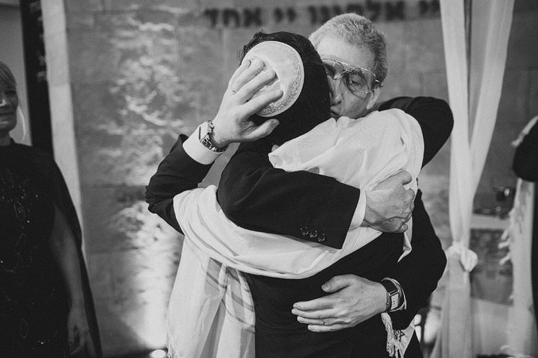 Foto de novio judio con su padre