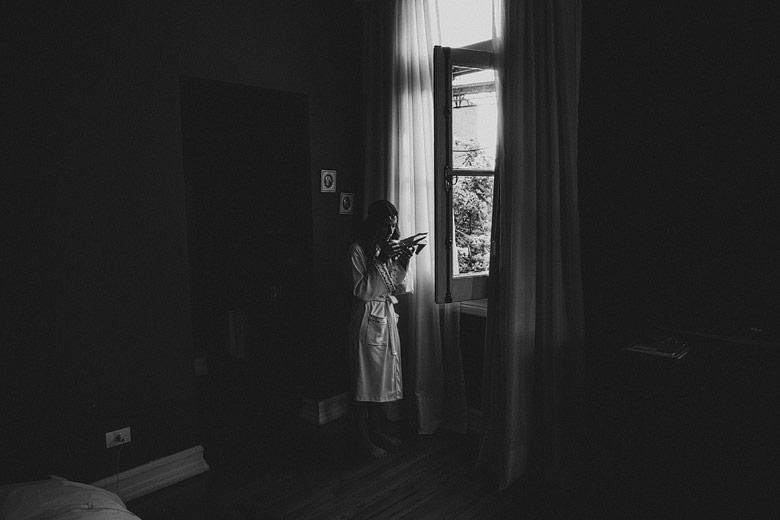 Fotos artísticas de la preparacion de la novia en el Hotel del Casco