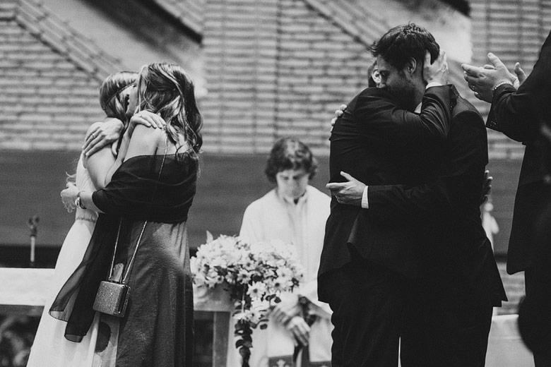 Fotoperiodismo de bodas en Iglesia San Juan Bosco, San Isidro