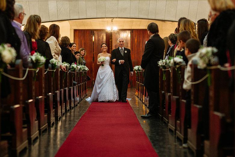 Entrada de la novia iglesia Parroquia Santa Teresa del Niño Jesús