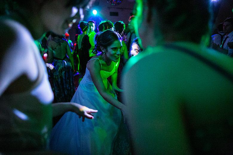Fotos de baile casamiento de noche con luz natural