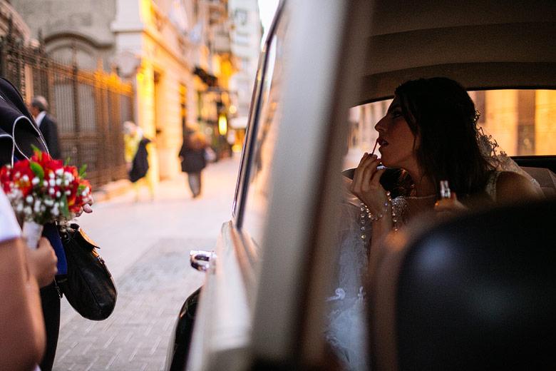 Novia llegando en un Rolls Royce