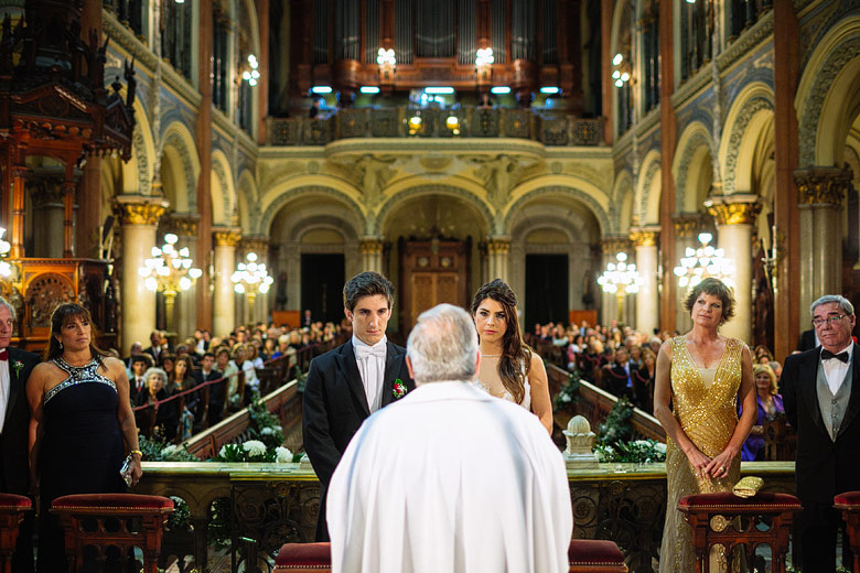 ceremonia de casamiento en la Basilica del Santisimo Sacramento de Buenos Aires