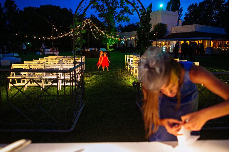 Ceremonia de casamiento de noche en Estancia La Linda