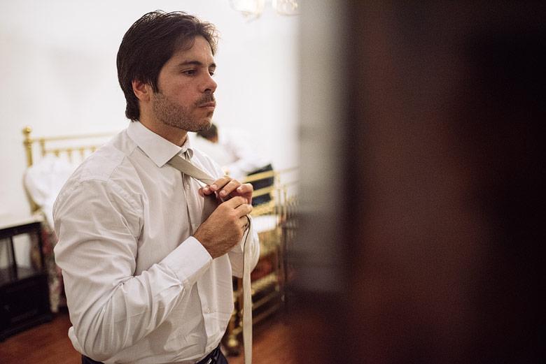 getting ready del novio en estancia carabassa