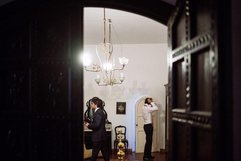fotos de preparacion del novio para casamiento carabassa
