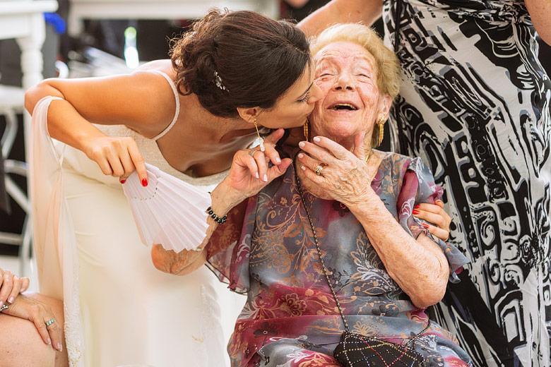 candid wedding photographer in argentina