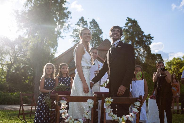 Casamiento con ceremonia al atardecer en Estancia Santa Elena