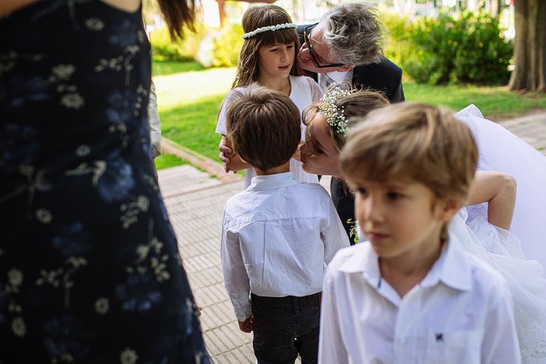 fotos de cortejo de niños en casamiento