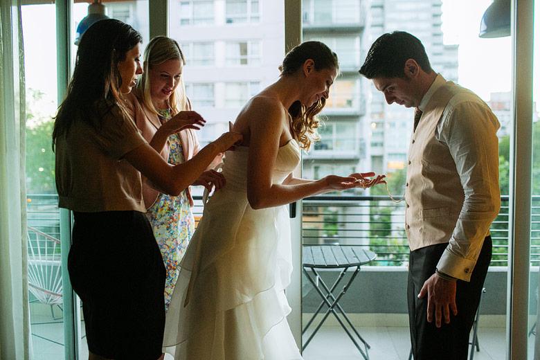 getting ready de la novia y el novio juntos