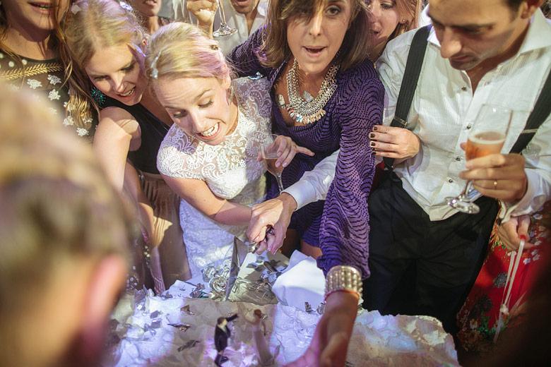 fotos del corte de torta en casamiento
