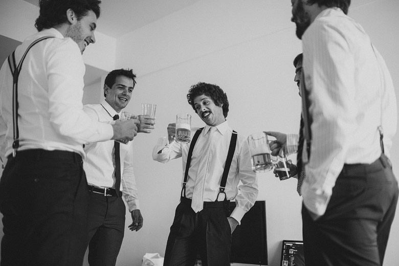 spontaneous pics from the groom´s backstage