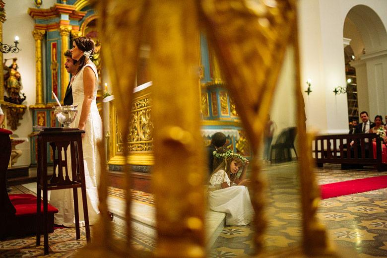 fotos artisticas de casamiento en la Iglesia San Ignacio de Loyola