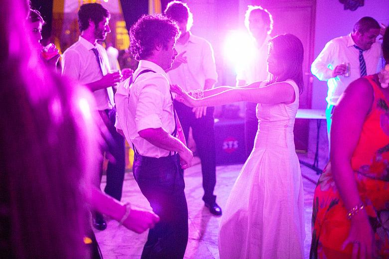 fotos de casamiento con luz disponible