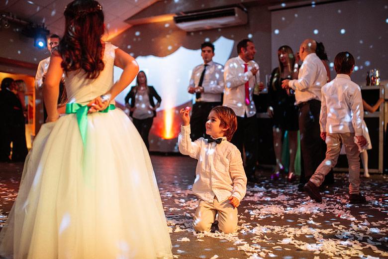 niños en casamientos